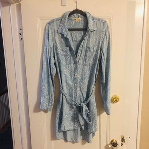 Clothe and Stone Light denim shirt dress!